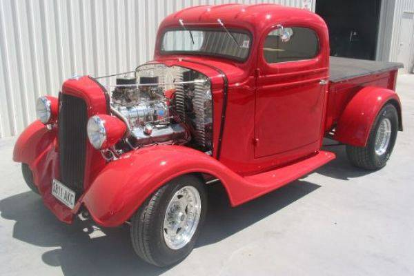 1935 CHEVY PICK UP