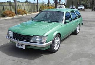 Holden/vh-commodore-(30)_1548818609.jpg
